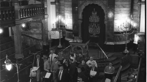 Cantor Benzion Miller and the London Synagogue Singers