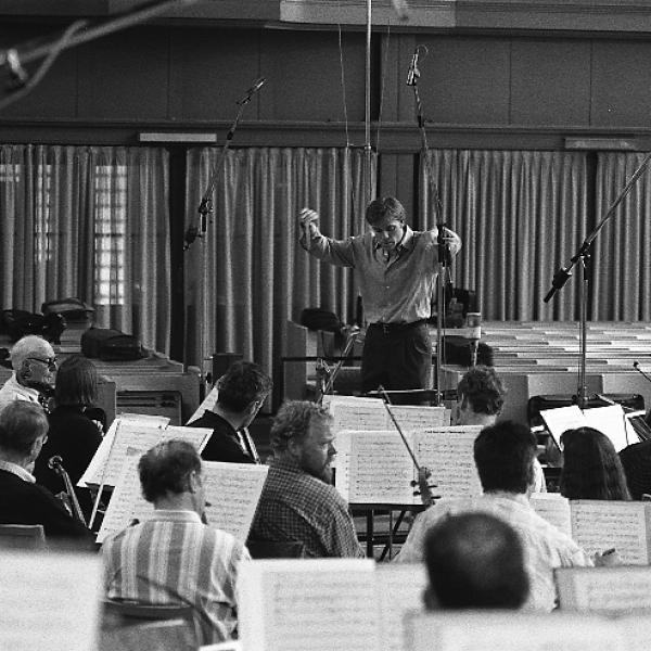 Conductor Christopher Wilkins and the Rundfunk-Sinfonieorchester Berlin
